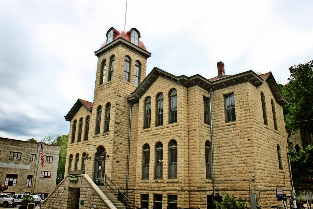 Eureka Springs' Historic Court House